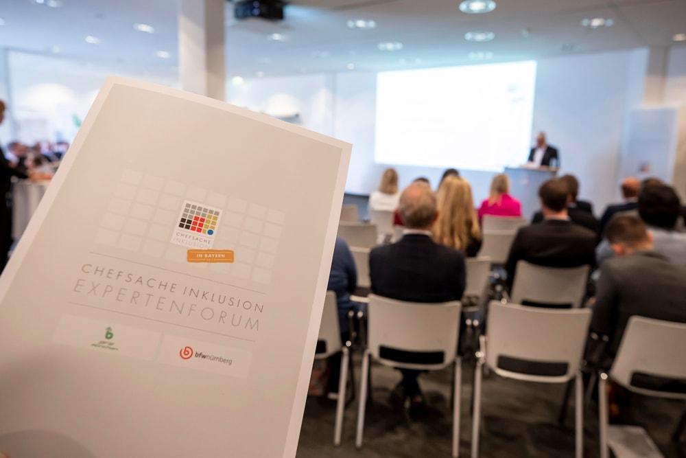 DOTLUX – Automobilkonzern AUDI Thema Chefsache Inklusion